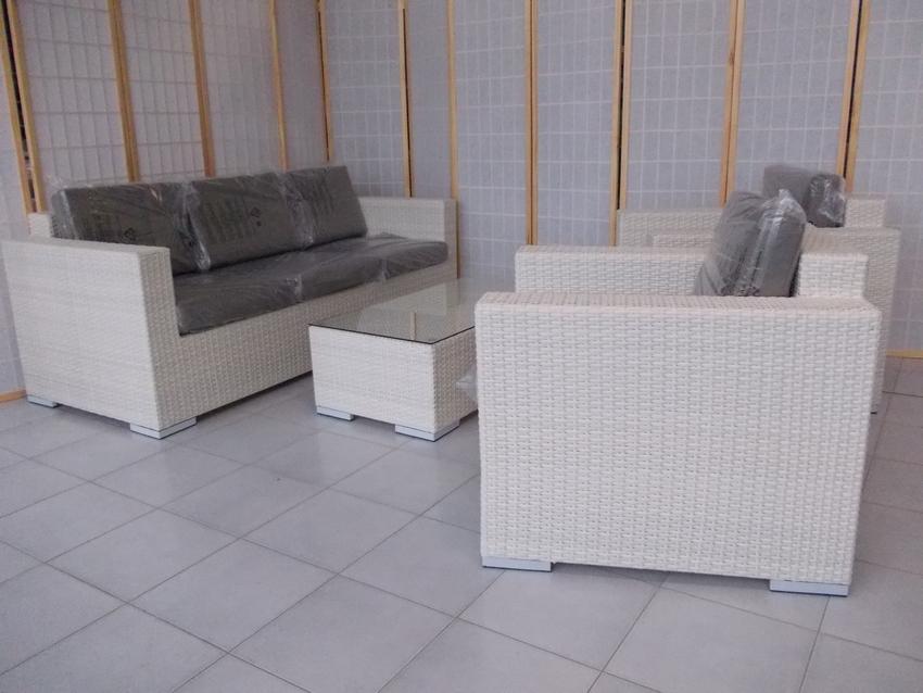 B9508b salotto miami bianco rattan sintetico rattan for Mobili da esterno offerte