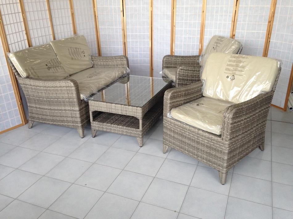 Arredamento poltrone sedie bamboo rattan giunco for Mobili giardino rattan sintetico