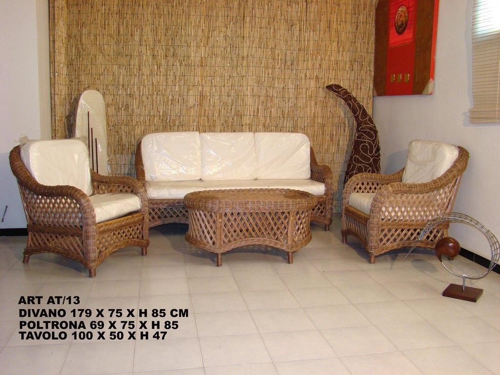 Poltrone In Vimini Da Interno.Arredamento Mobili Salotti In Rattan Midollino Bambu Per