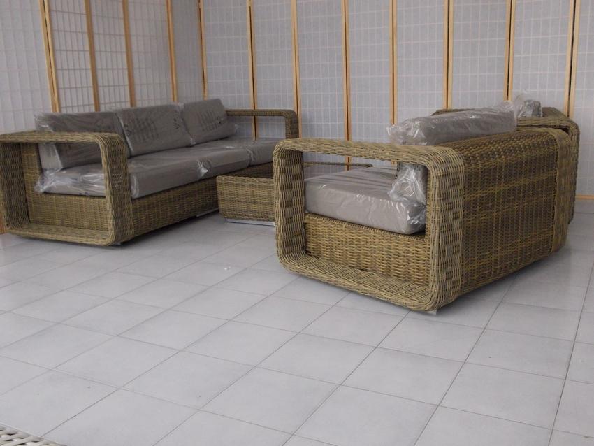 Esterno Rattan Sintetico: Arredamento esterno divani in rattan ...
